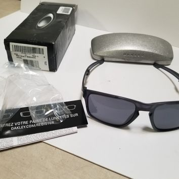 New Authentic Oakley Mens Folding Sunglasses Black Mtt Olive with grey OO9246-15