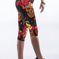 Black High Waist Golden Skull Print Capris