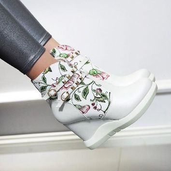 New Women White Round Toe Wedges Floral Print Rivet Casual Ankle Boots