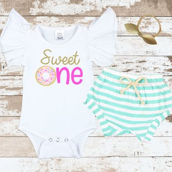 Sweet One Mint Shorts Outfit