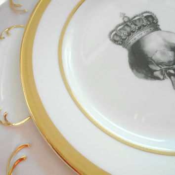 "Pink and Gold Foodsafe Skull Dinner Plate, 10.5"", AVAILABLE WITHOUT DECAL"