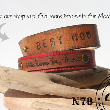 Mom Bracelet - We love you,mom - Mothers Day Gift - Personalized Moms Bracelet - womens red leather wristband - Made to order  free shipping