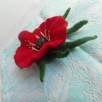 Felted flower, Flower brooch,Red felt brooch,Red poppy,Handmade unique felt flower brooch, felt flower,felting flower,jewelry,red flower pin