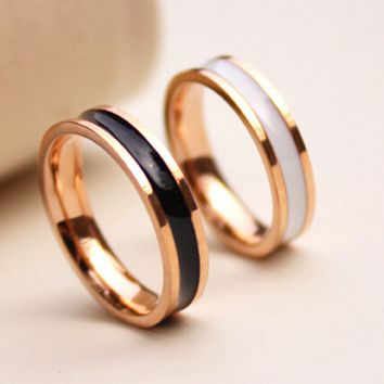 Fashion Titanium Rose Gold Black and White Glue Finger Ring   171205