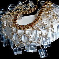Vintage Highly Faceted Lucite Square Cushion Dangle Bead Bib Box Link Necklace