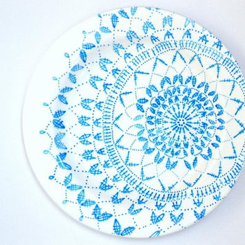 Hand Drawn White Serving Plate Blue Crochet Pattern, Hand Painted , Home And Living, Dining, Serving, Glassware, Christmas Gift, Winter