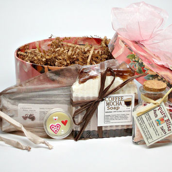 Valentine Bath & Body Gift Basket, Spa Basket, Women's Gift, Gift Set, One of a Kind