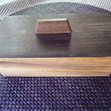 Handcrafted Monkey Pod and Peruvian Walnut Lift Lid Jewelry/ Keepsake Box
