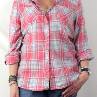 The Perfect Weekend shirt By LL Bean Pink Plaid L size Womens Cotton Soft Easy Wear Shirt