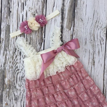 Baby Girl dress. Toddler dress. Baby lace dress. Petti lace dress. Girls ruffle dress. First birthday dress.