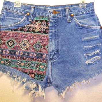 Vintage High Waisted Denim Shorts Front & Back Southwestern Waist  29.5   Inch