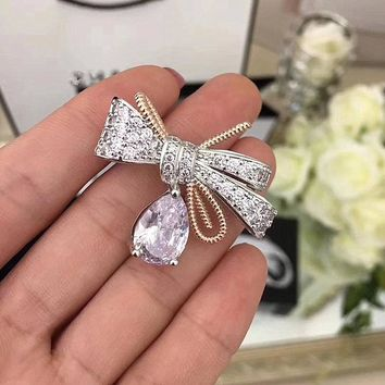 Fashionable brooch pin bow boutonniere