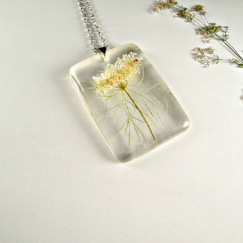 Wild Carrot (Daucus carota) Botanical Jewelry, Wildflower Necklace, Queen Anne's Lace Resin Pendant, Preserved Specimen Botany Jewelry