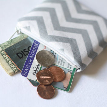 Gray and White Chevron Coin Purse // Coin Pouch // Change Pouch // Chevron Coin Purse // Small Zippered Pouch // Zipper Wallet