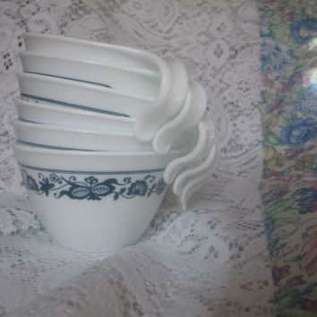 Vintage Corelle Livingware Old Town Blue Stacking Cups - Set of 6