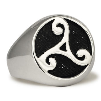 Sterling Silver Celtic Rune Ring Water Element Symbol Celtic Triade in Sterling Silver 925