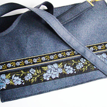 Medium Tote Handbag Purse/ Flower print Tote Bag/ Case Purse/ Wool felt & cloth Handbag Purse/ Shoulder tote felt bag/Handmade pouch