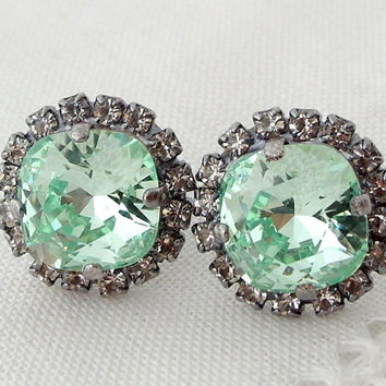 Clear Mint green Swarovski crystal stud earrings, Bridal earrings, Bridesmaid gift, Wedding jewelry, Clear mint seafoam Rhinestone earrings