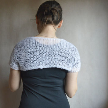 SALE 50% Knit white shrug / summer shrug / shrug sweater / knitted shrug / white bolero / mohair shrug / women's clothing / loose knit