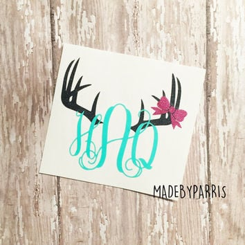 Deer Antlers with Bow Monogram Decal, Deer Antler Decal, Monogram Decal, Deer Hunting Decal, Car Decal, Yeti Decal, Bow Decal, Deer Hunting