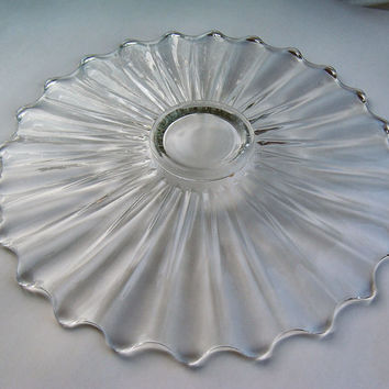 Large Clear Footed Collectible Crystal Serving Dish / Cake Plate / Fruit Plate / Platter in a Sun Ray Pattern