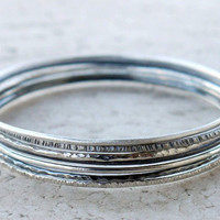 ON SALE Hammered silver bangles set of 5. Oxidized skinny stacking bangles.
