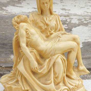 Vintage Santini Pieta Sculpture, Ivory Resin Figurine Statue, Made in Italy, Religious Collectible