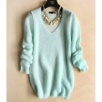VONE055 FASHION V-NECK KNIT SWEATER