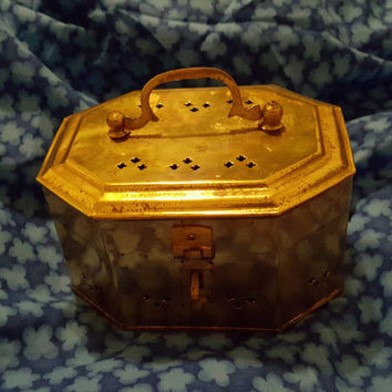 Vintage Brass Cricket Box / Octagonal Shape Brass Trinket Box / Container with Handle, Treasure Chest, Potpourri
