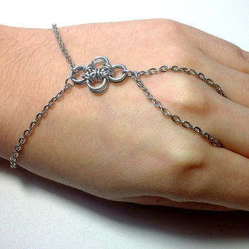 Chainmaille Ring Bracelet, Hand Jewelry, Hand Bracelet, Movie Star, Fashion Bracelet, Prom Jewelry, Slave Bracelet, Bridal Jewelry