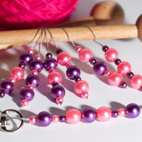 FREE HOLDER Knitting stitch markers - beaded stitch markers, purple and pink beads, knitting supplies, knitters gift, knitting accessories