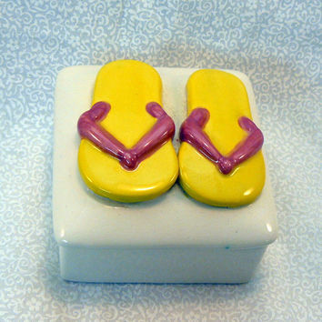 Ceramic Keepsake Box  Flip Flop Lemon Yellow Rose