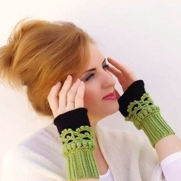 Fingerless mittens Crochet knit Arm Wrist Warmersgreen by Lasunka
