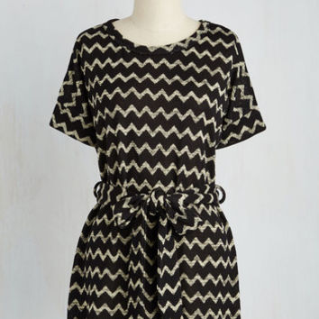 Long Short Sleeves All Art Walks of Life Tunic in Chevron
