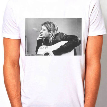 Kurt Cobain Nirvana smoking musician  - Men's T- Shirt - alternative music Size ( S,M,L,XL )