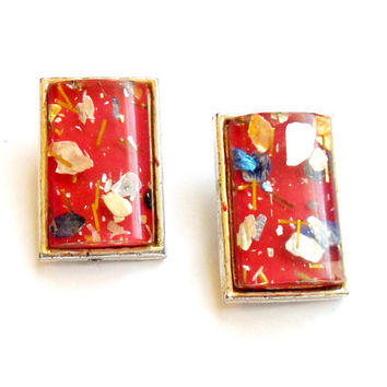 Vintage Confetti Thermoset Earrings - Clip On Earrings - Embedded Lucite - Glitter Sparkle - Silver Tone Metal - 1950s 1960s - Red Pink Tone