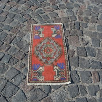 Bohemian Antique Rug, Traditional Boho Rug, Oriental Turkish Rugs,   1.5X3.1 Ft AG822