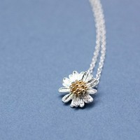 Silver Daisy Flower charm pendant necklace in matte silver