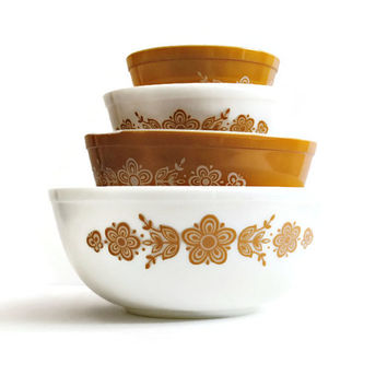 Set of 4 PYREX Butterfly Gold Mixing Bowls - (#500.80)