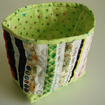 Selvage Fabric Quilted Fabric Basket with Green trim