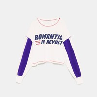 CROPPED SWEATSHIRT WITH CONTRASTING SLOGANS