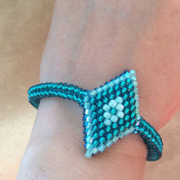 Sparkly blue green seed bead stitched  bracelet, bright blue green reversible beadwoven bracelet, diamond shape feature handmade jewelry