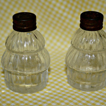 Vintage Tiny Glass Salt and Pepper Shakers with Rusty Metal Lids Shabby Chic Kitchen