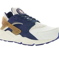 Nike Air Huarache Run Premium Men's Sneaker