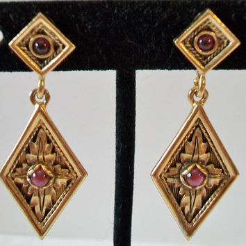 Etruscan Style Diamond Shape Clip On Earrings Gold Tone Costume Jewelry
