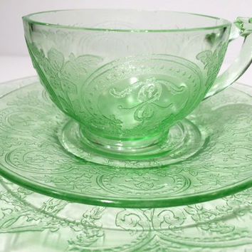 Set of Indiana Horseshoe #612 Green Depression Glass Plate Cup and Saucer
