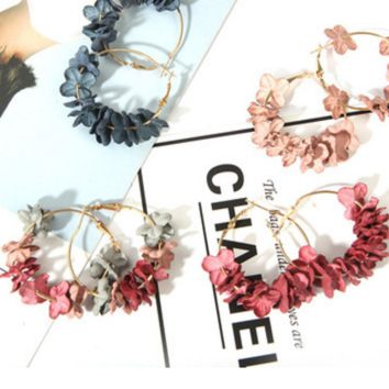 Fashion cloth flower flash drill ear