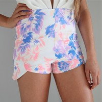 PASTEL PURPLE FLORAL HIGH WAISTED CUT IN FRONT SHORTS 6 8 10 12