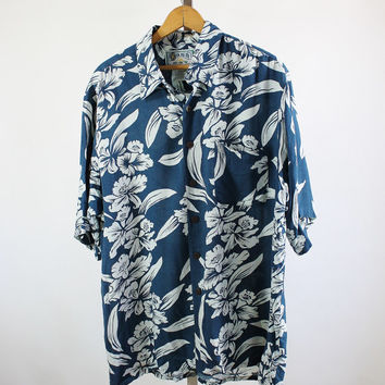 SALE - Retro 90s Blue white Hawaiian Style Shirt. Tropical. Beach. Surfer. Island - Mens Size Large
