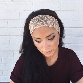 Yoga Headband in Nude Lace